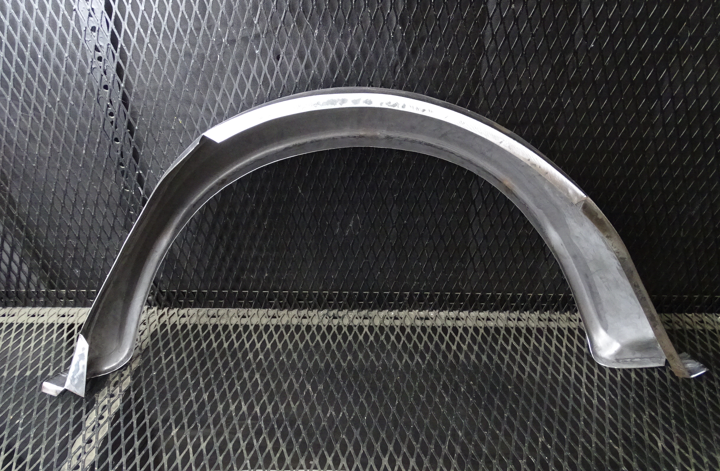 1100 / 1300 right-hand rear outer wheel tub