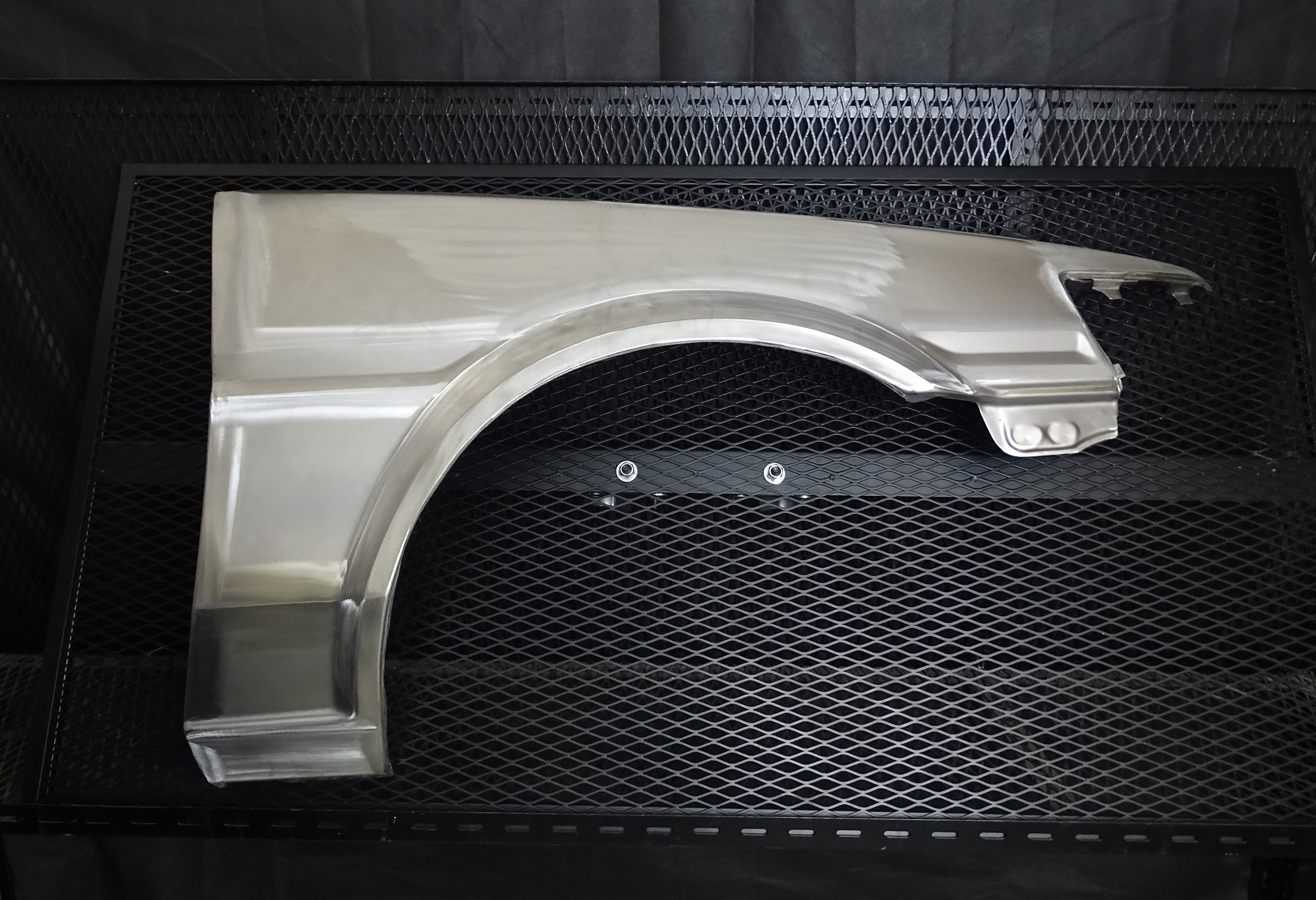 Toyota Corolla AE86 right-hand front wing