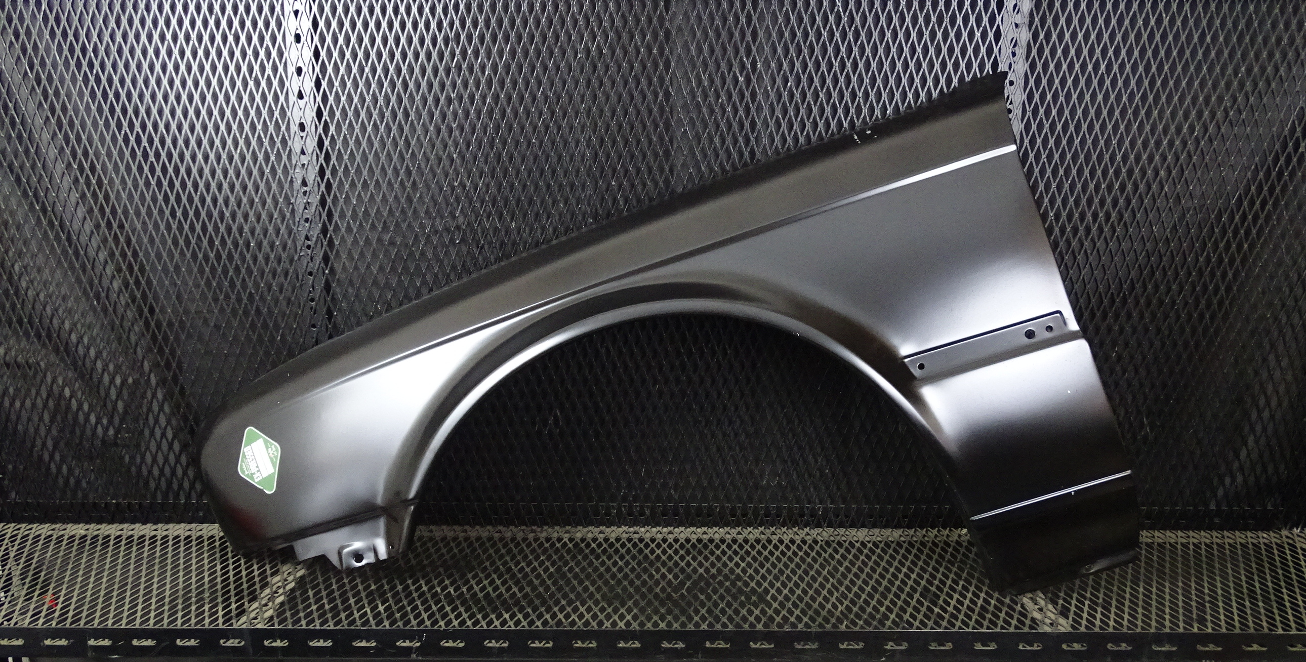 BMW E-30 front left hand wing.